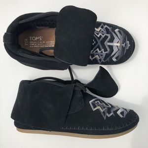 TOMS Zahara Embroidered Moccasin Suede Bootie